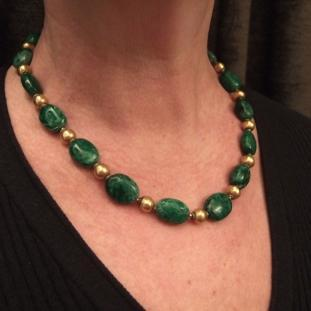 Colliers - Or 20ct, jade birman, Inde