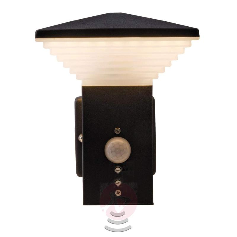 Hartford LED outdoor wall light, motion detector - outdoor-led-lights