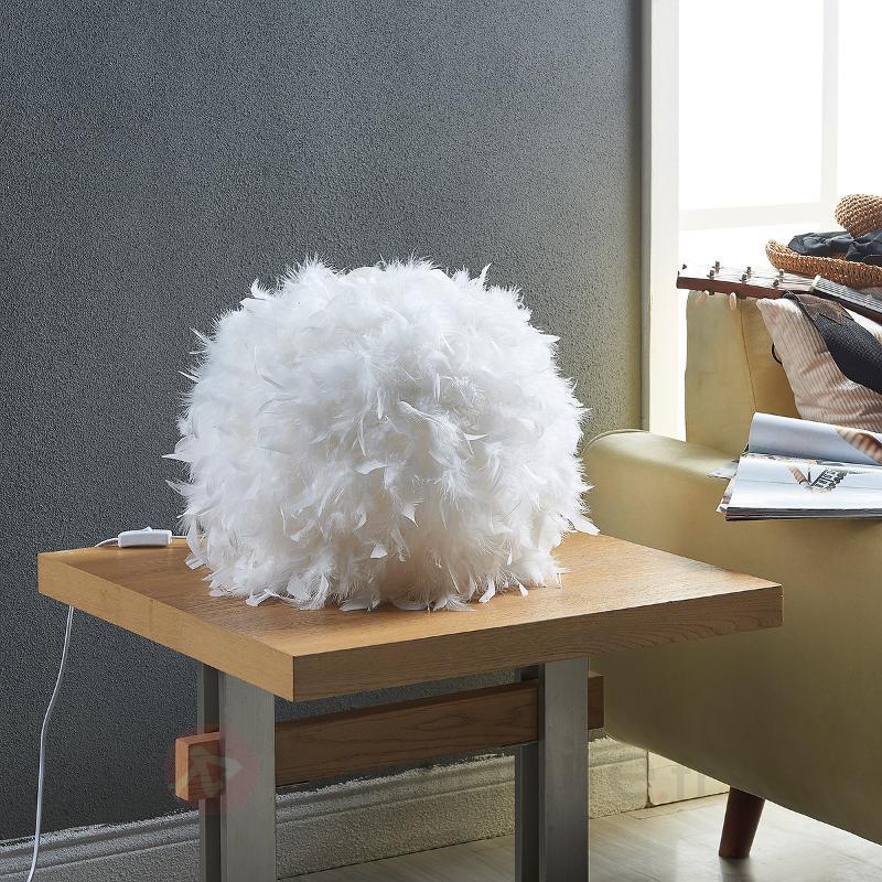 g n reuse lampe poser led pauline plumes lampes poser en tissu luminaire fr allemagne. Black Bedroom Furniture Sets. Home Design Ideas