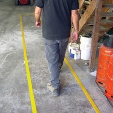 Antidérapant en fibre de verre passerelle et rampe - Ligne de Marquage Permanente