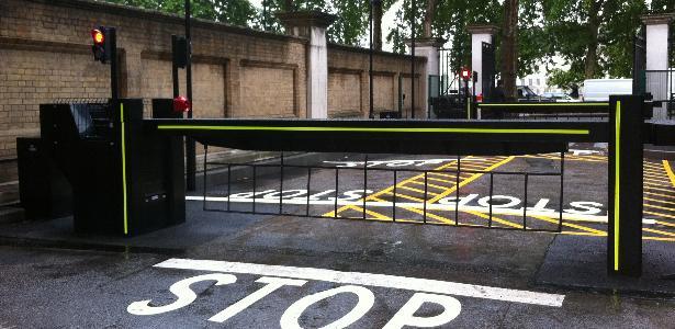 Barrière de sécurité levante