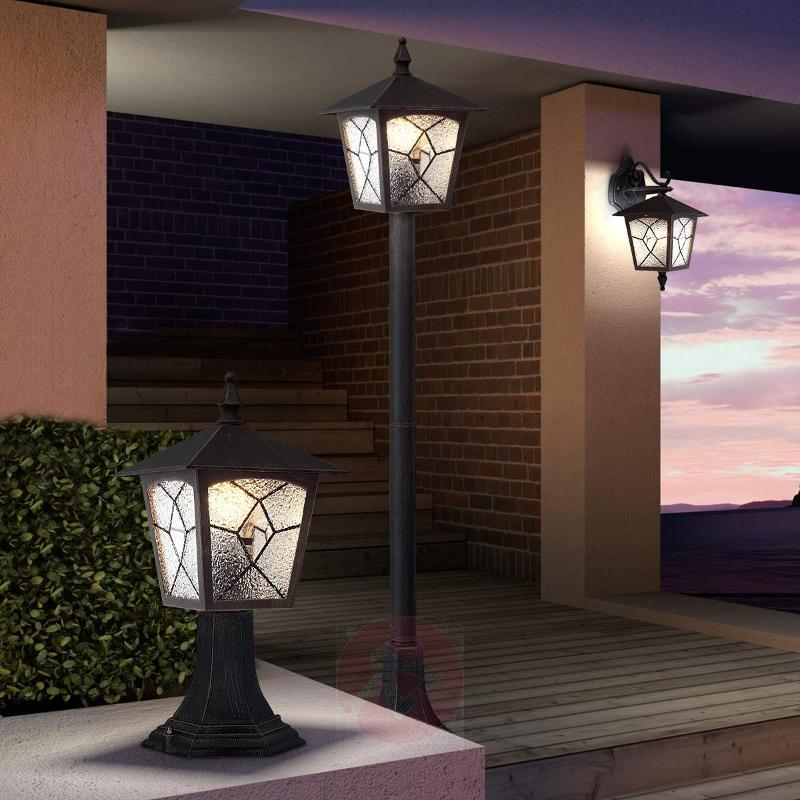 Robuste Tall Path Lamp - Path and Bollard Lights