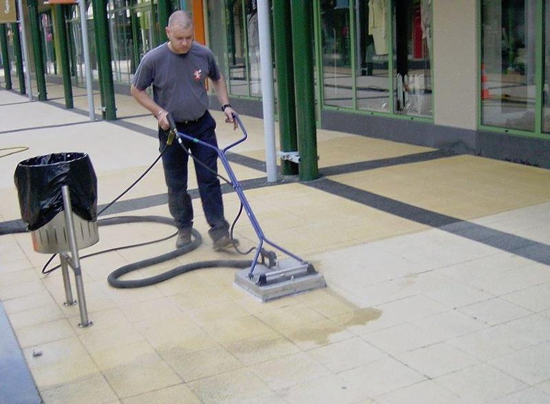 Entretien des toitures - Nettoyage d'installations industrielles