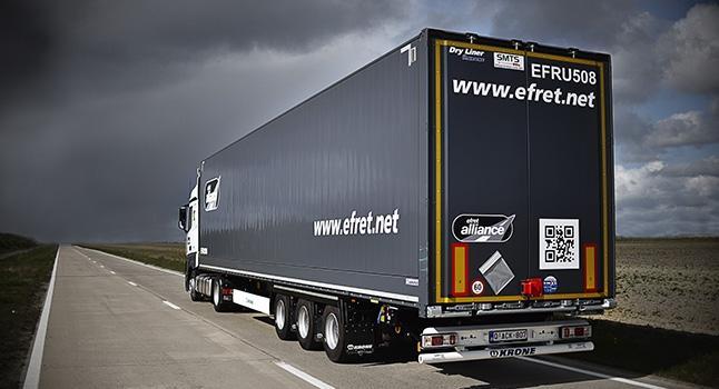 Mega curtainsiders and mega box trailers -