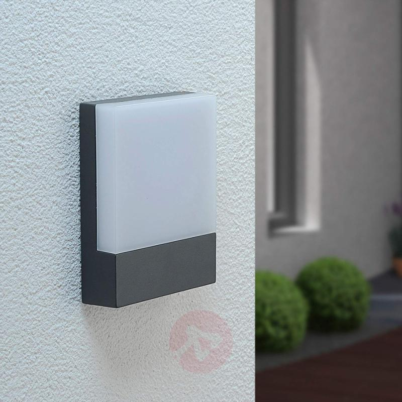 Perfectly-shaped LED outdoor wall light Mina - outdoor-led-lights