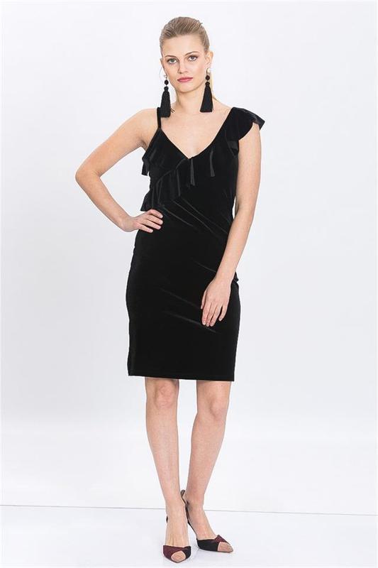 Women Black Velvet Gown Hanging Advanced Flywheel - Velvet Dress