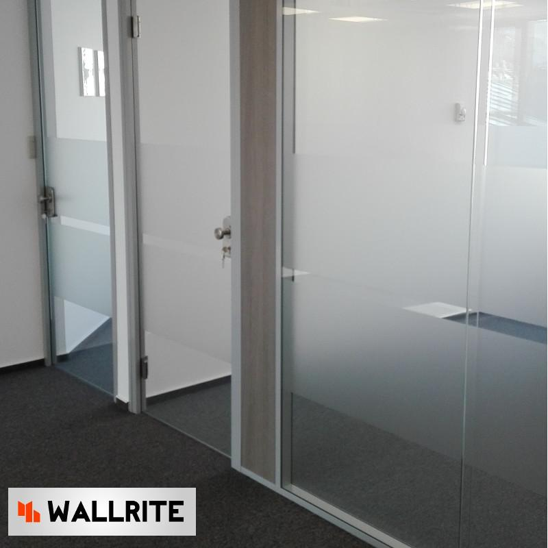Perete sticla dubla securizata iQ Structural - Compartimentare interioara pentru birouri si spatii de lucru in mod inovativ.