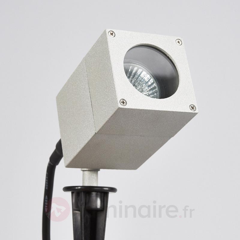 Projecteur d'extérieur inclinable Icaro av. piquet - Tous les projecteurs d'extérieur