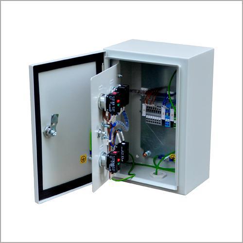 Kontrolltavlor för stationära maskiner och enheter -