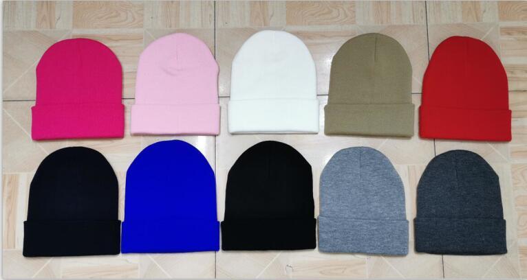 zimowa gładka czapka -