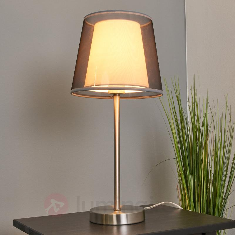 Lampe à poser en textile Weni avec abat-jour noir - Lampes à poser en tissu