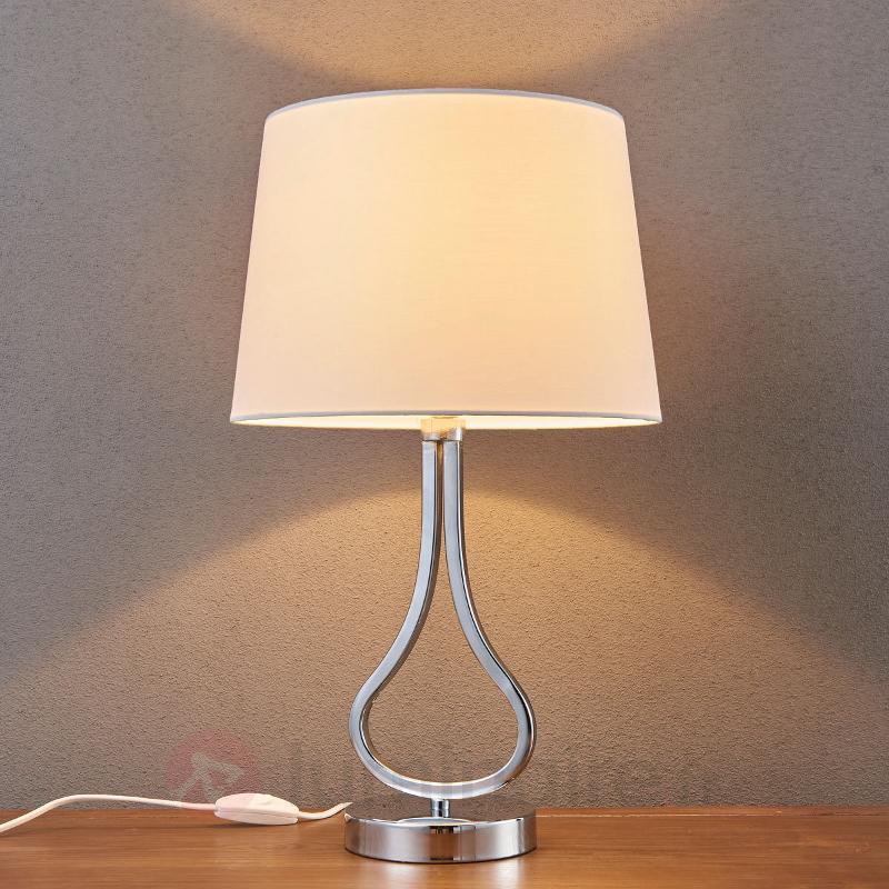 Jolie lampe à poser Joelyna abat-jour en tissu - Toutes les lampes à poser
