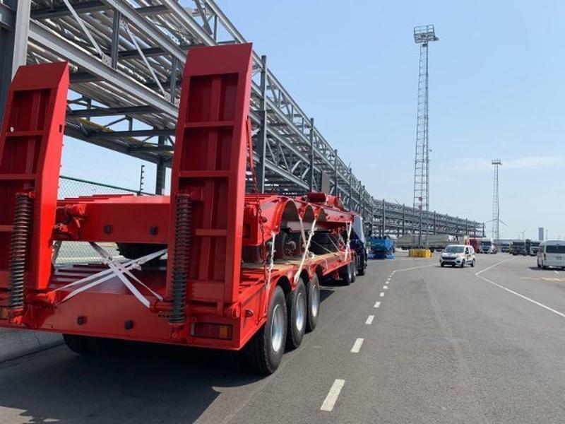 C004 Iveco Trakker 380 Crane - Trucks