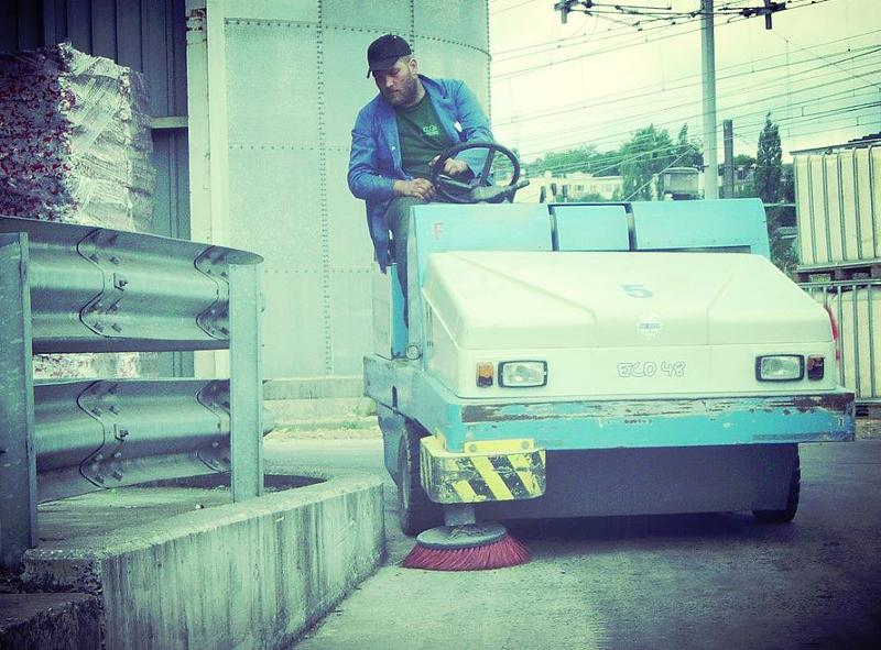 Nettoyage des routes et des accotements