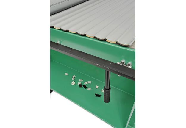 Table de préparation des tabliers de lame de volets - AT 3000