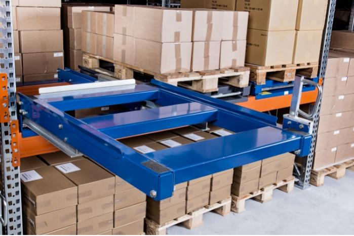 Beam mounted pull-out unit, 1000 kgs-1500 kgs - heavy load, for storage on pallets