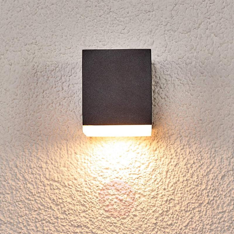 LED outdoor wall lamp Sarah, plastic diffuser - Outdoor Wall Lights