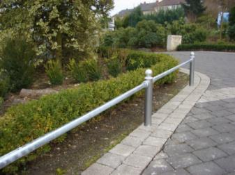 Geländersysteme - Barrieren, Sperrschutz, Verkehrsschutzgitter, Rabattengeländer, Schutzgeländer