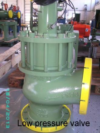 WATER AND HYDRAULIC COMPONENTS - Construction of valves and cylinders for water hydraulic plants and presses.