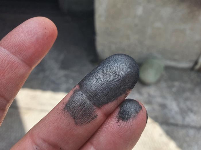 Colloidal graphite (fine powder) - Non-metals and compounds