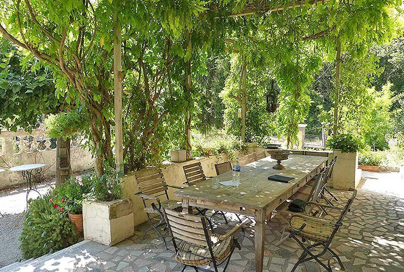 Quietly located Provencal house Bargemon with free views - Real Estate