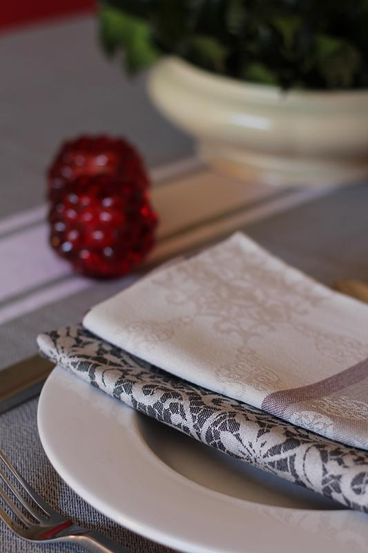 Tablecloth  - Tablecloth and napkin