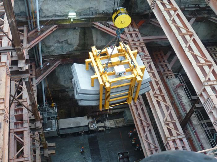 Construction de tunnels : la manutention de voussoirs... - Tunnel