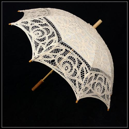 100% hand-made lace sun umbrella for western court weddings(white) - Craft umbrella