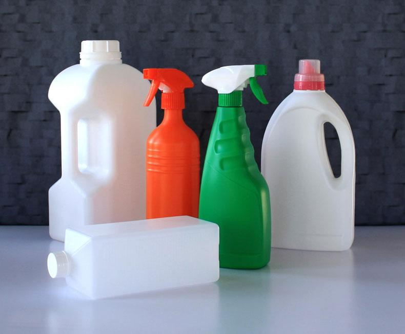 PE, PET bottles and PP, PE jars - plastic bottles / plastic packaging