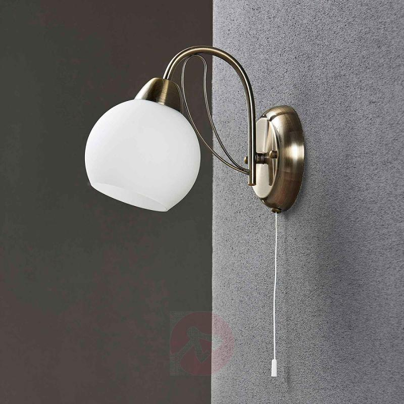 Curved wall light Taleja with white glass - indoor-lighting