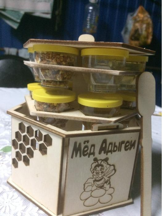 Locust honey - Delicate taste and distinct flower flavor
