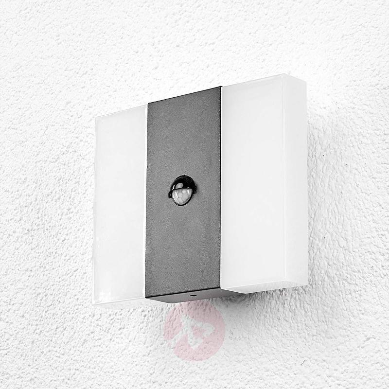 Kumi - LED outdoor wall light - Wall Lights with Motion Sensor
