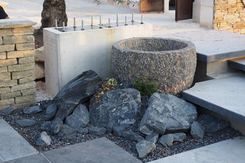 Aménagement paysager, Fontaine, Bassin, Barbecue - Travaux extérieurs- Services