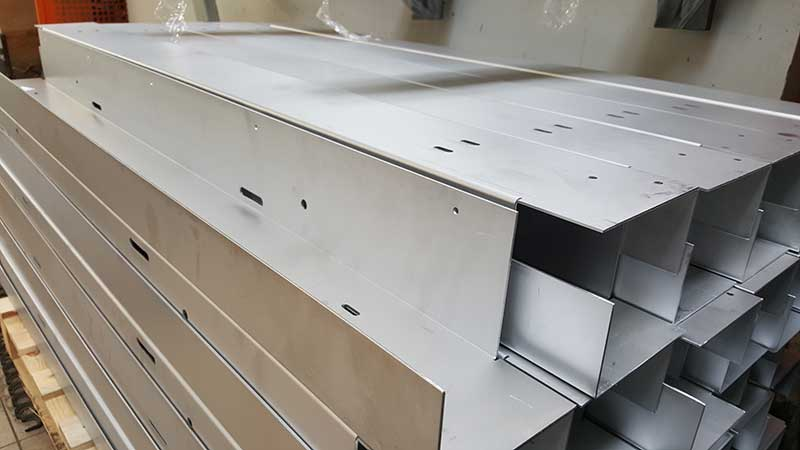 Fassadenelemente aus Stahl und Aluminium
