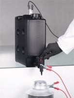 Recipiente compacto – ahora también con conductividad eléctr