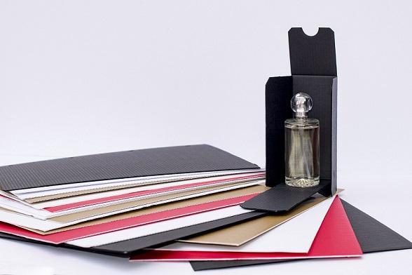 Nuevo cartón micro-ondulado para realizar interiores de estu