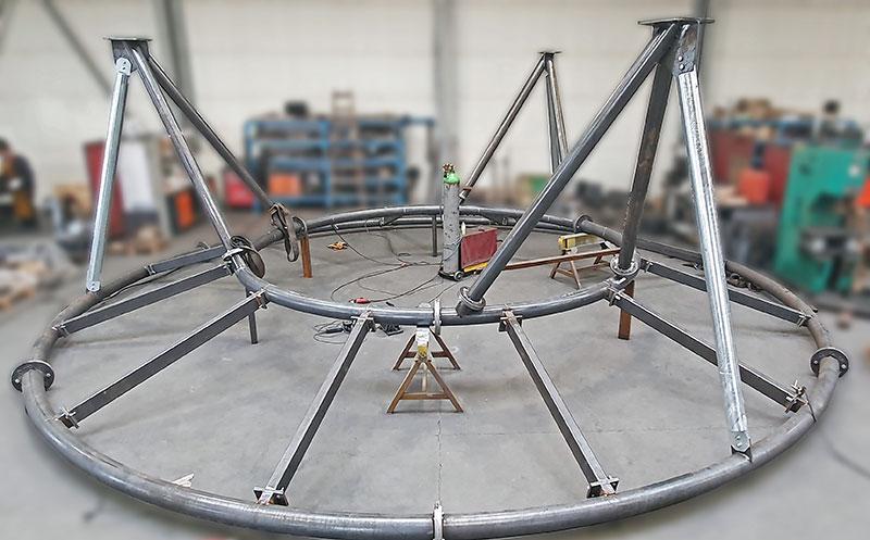 Stahlkonstruktion einer Wasserrutsche