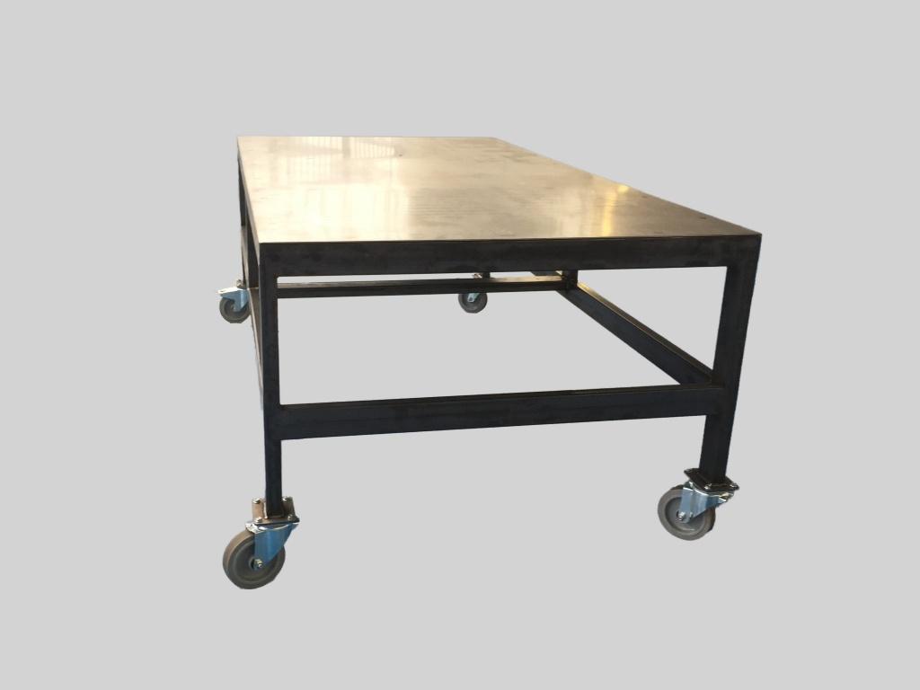 Tables industrielles sur mesure