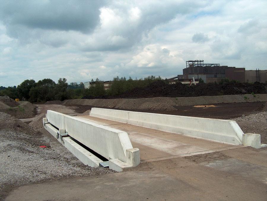 Pont hors sol modulaire b ton for Beton lisse exterieur belgique