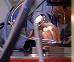 Mikrobohren durch Funkenerosion