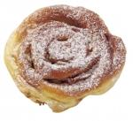 Berliner bun with apples, sugared