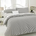 Gold Collection Easy care stripped duvet cover set