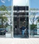 Balance/ pivot doors