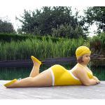 """Badende Schwimmerin """"Anni"""" liegend Badeanzug in Gelb..."""