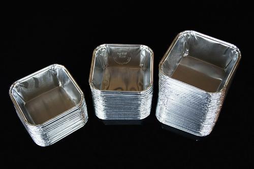 Vierkante aluminium bakjes