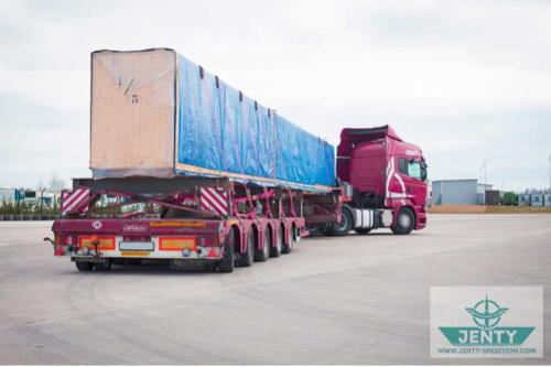 Transportation of oversized cargo