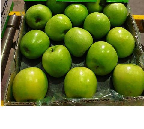 Fresh fruits (Appel, oranges, pear, ...)