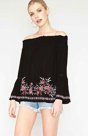 Off shoulder viscose crepe top