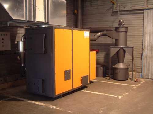Chauffage - Générateur D'air Chaud Alimentation Bois Pour Brûler Les Copeaux