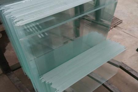 Ультра прозрачное стекло